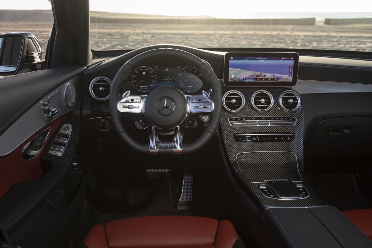 MercedesBenz_GLC43_02.jpg