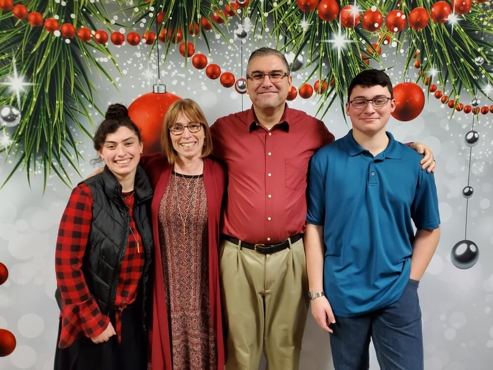 Volunteering In Ashland Oregon Christmas Day 2021 Ashland Volunteer Follows Example Of Grandmother And Parents To Help Where You Can Thrive Ashlandsource Com