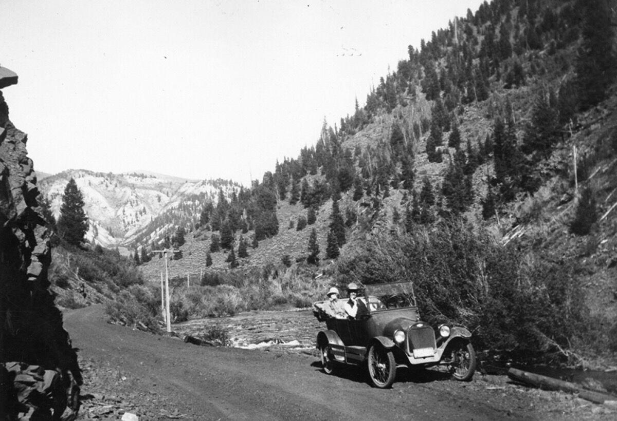 1968.020.0004_Car in the Frying Pan Valley, 1920-