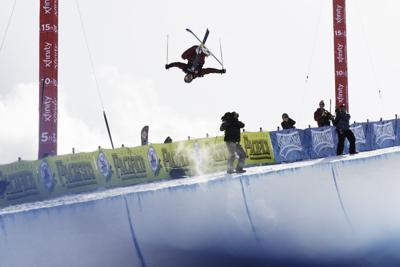 Alex Ferreira inverted