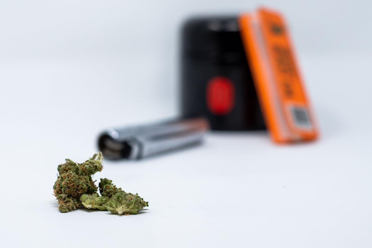 Cannabis Lighter Zig Zags Jar
