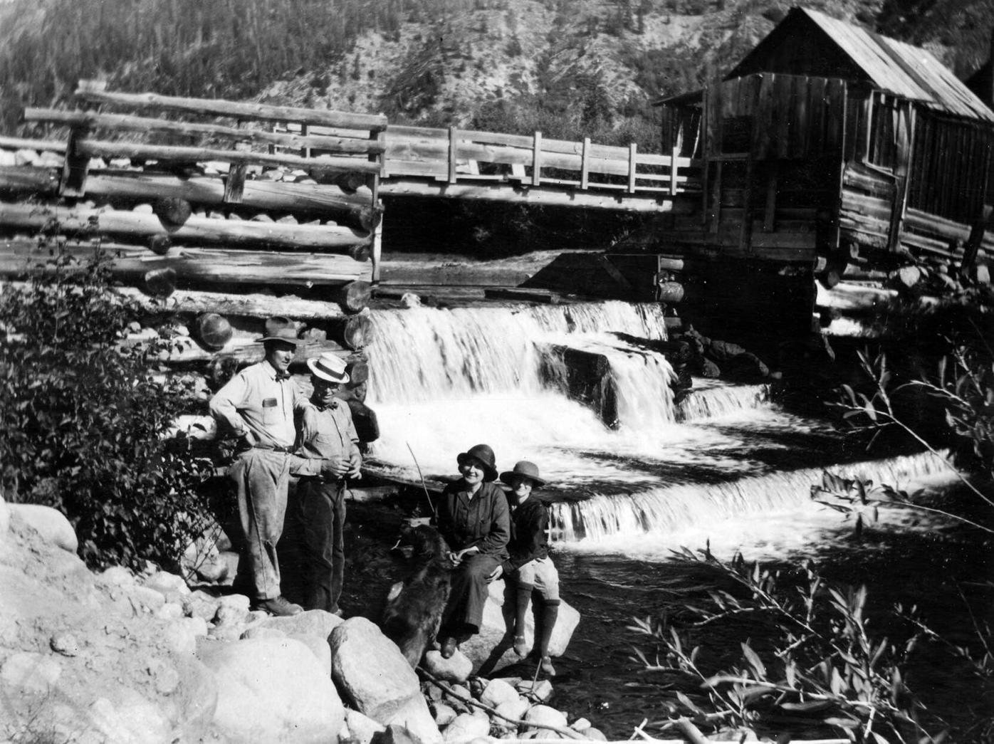 2013.048.1871_Hunter Creek Dam, 1917-