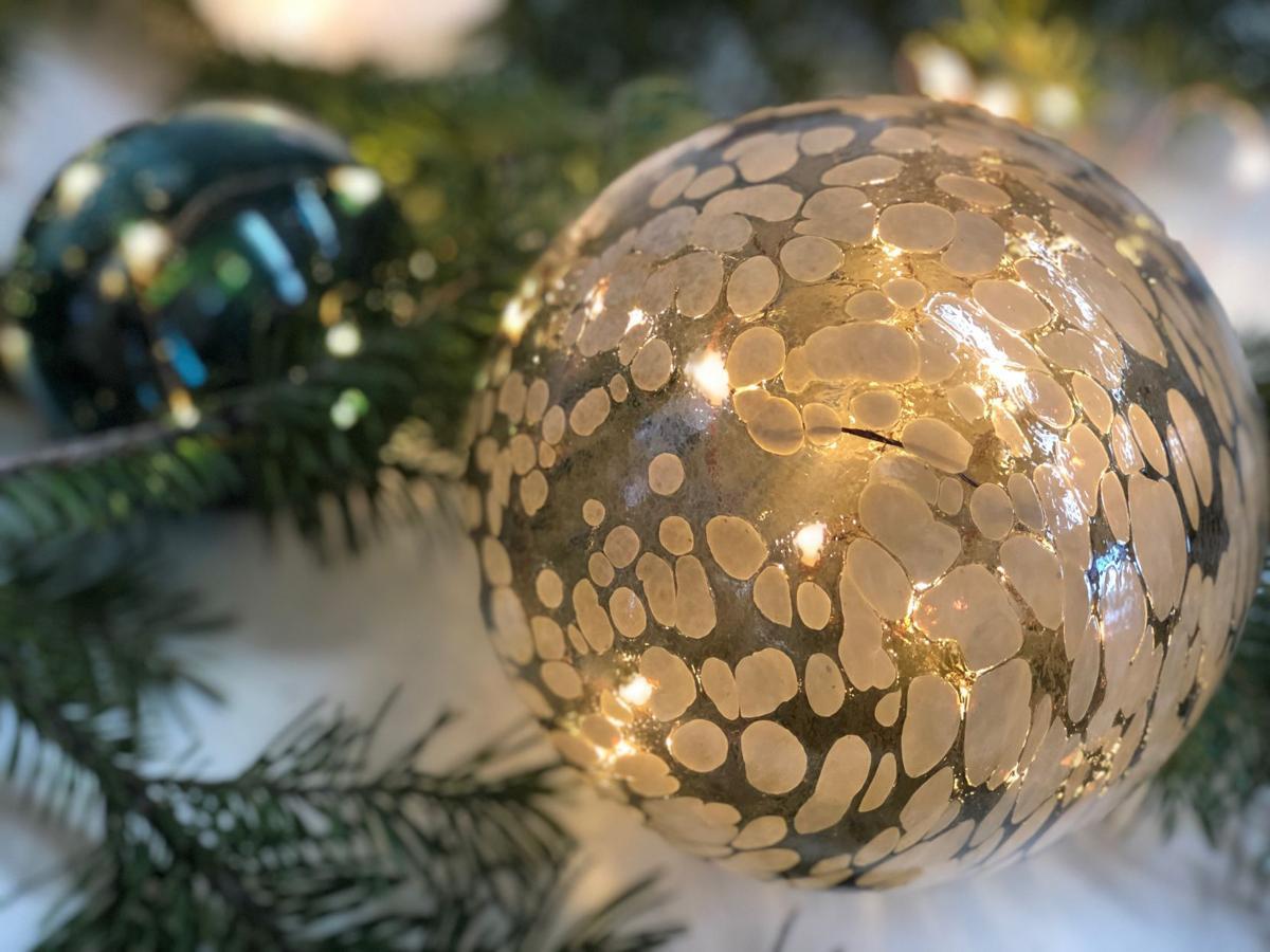 Spiro Lyon glass globe.jpg