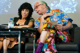 Patch Adams is disgusted with U.S. healthcare