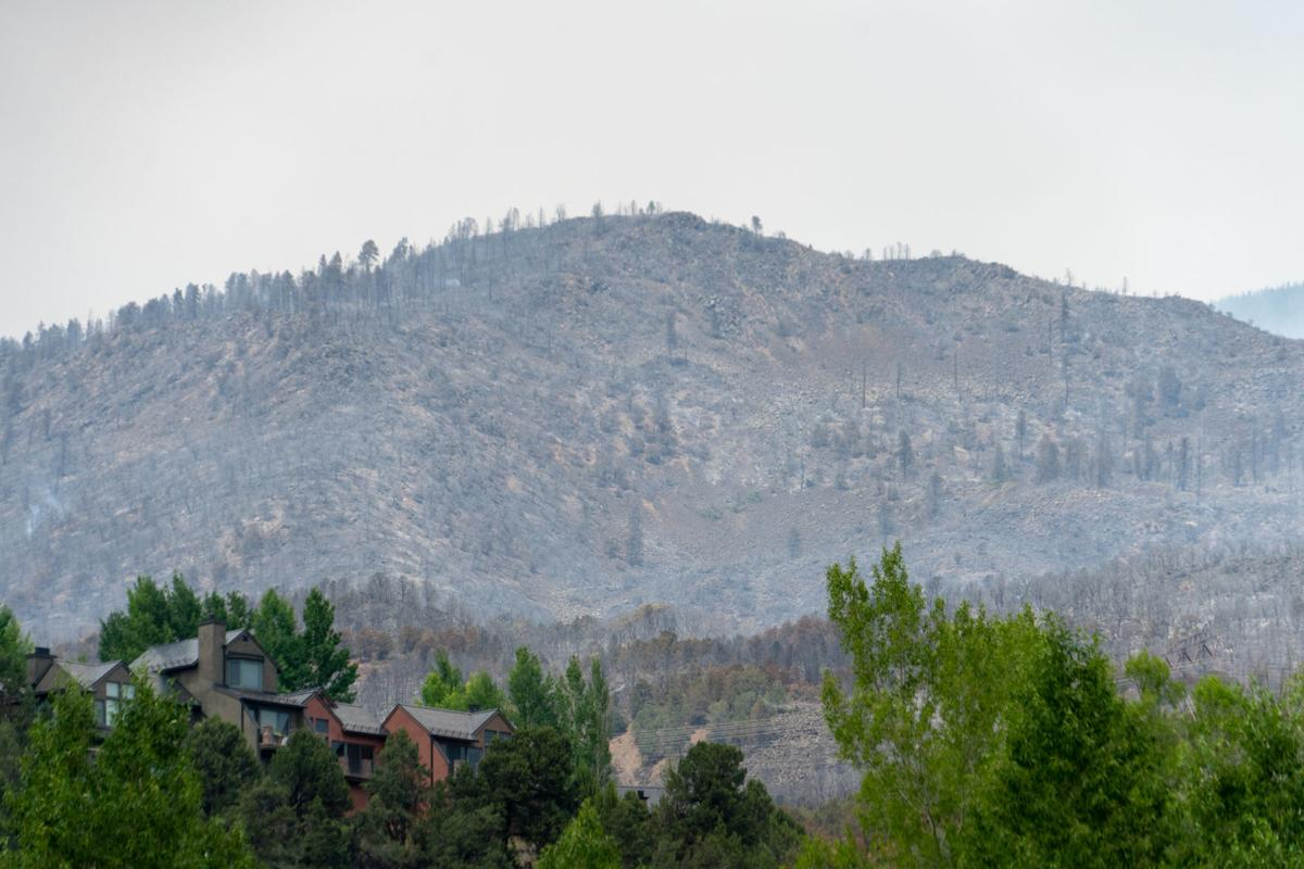 Three homes lost as Lake Christine Fire grows to 4 900 acres