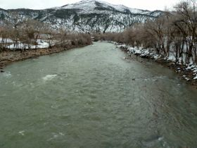 Glenwood Springs paddling toward whitewater parks, but rapids ahead