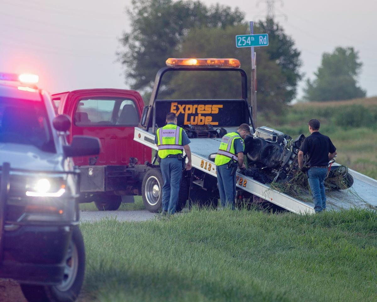 Highway wreck injures 1