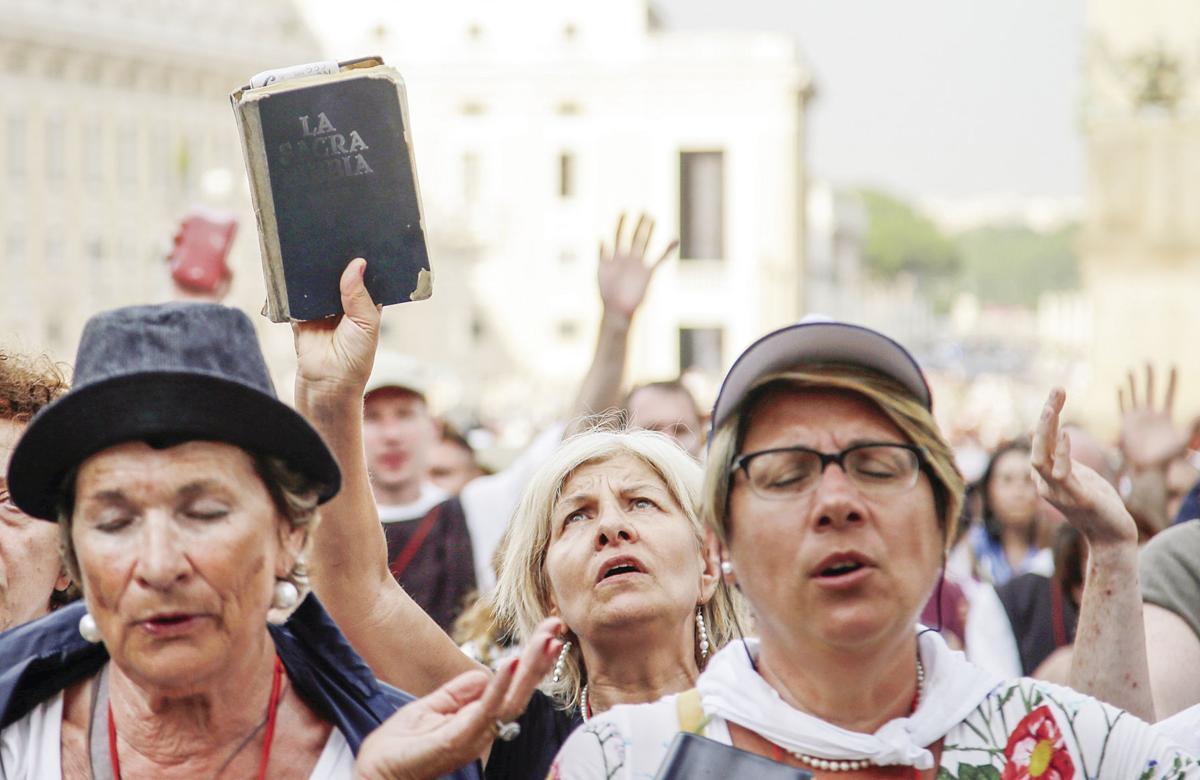 Vatican worshipers