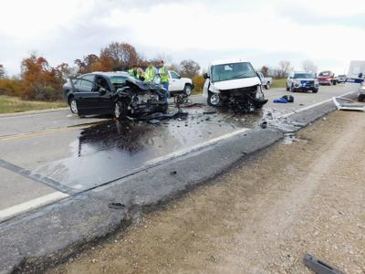 Two injured in highway wreck | Local News | atchisonglobenow com