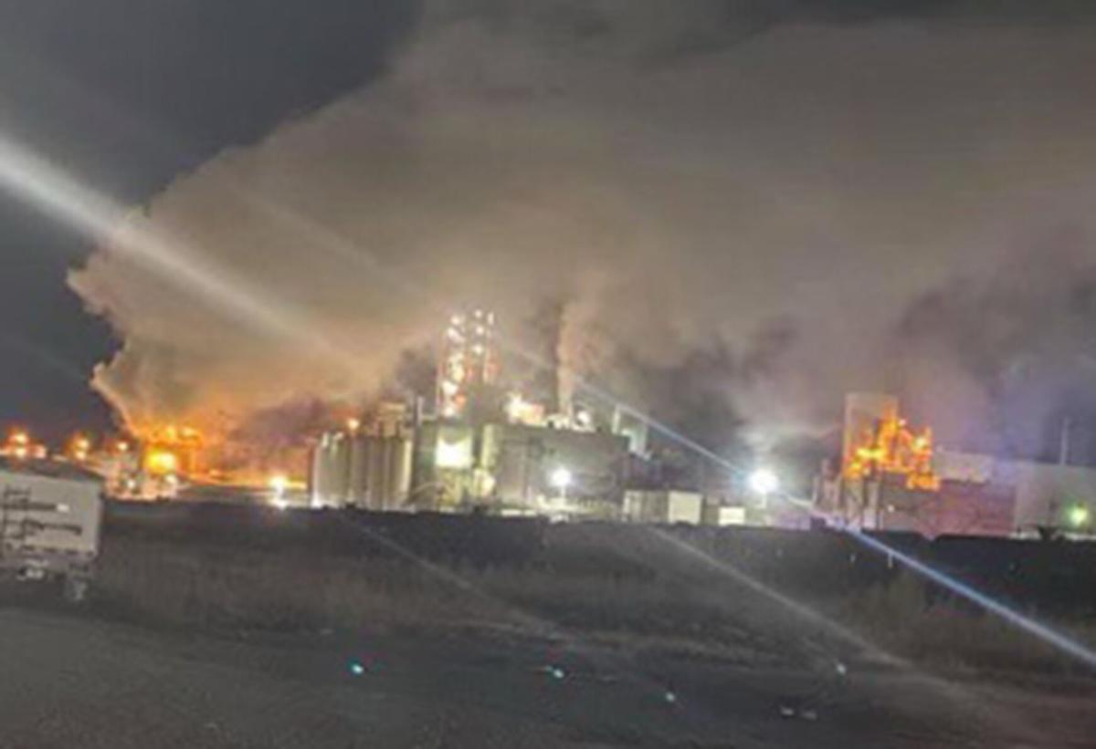 Firefighters Working To Contain Blaze At Mgp In Atchison News Atchisonglobenow Com