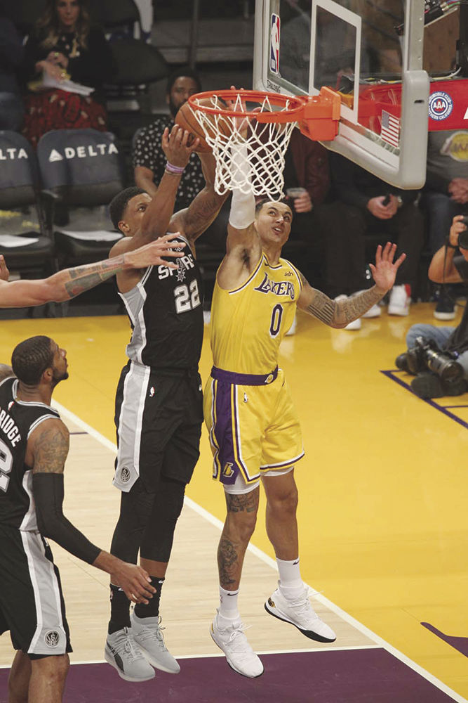a5ed6da5d Spurs rally to keep Lakers winless