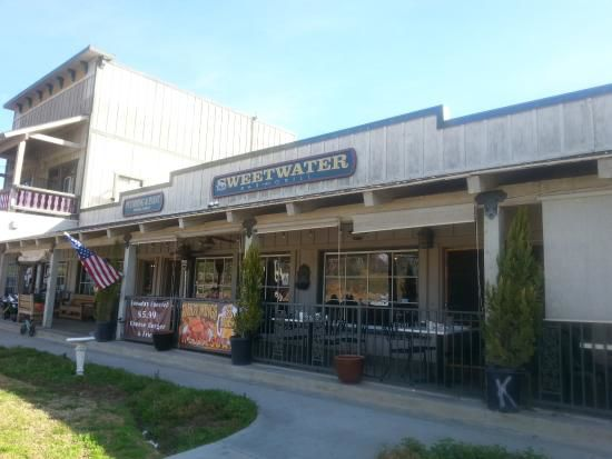 Sweetwater Bar & Grill