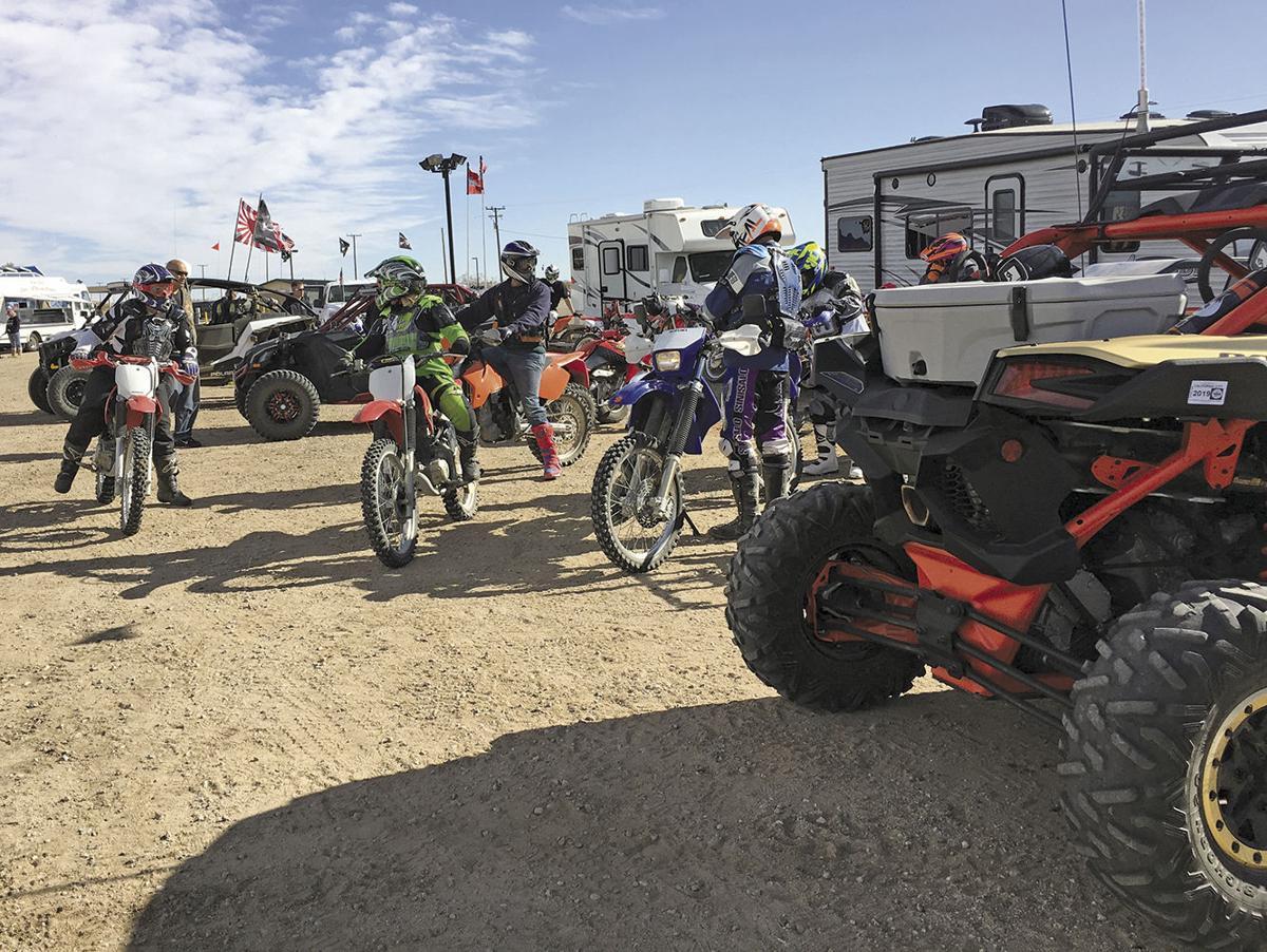 Off-road fans flock to Cal City's dirt | News | avpress.com on