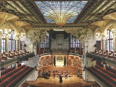 Travel-Solo In Barcelona