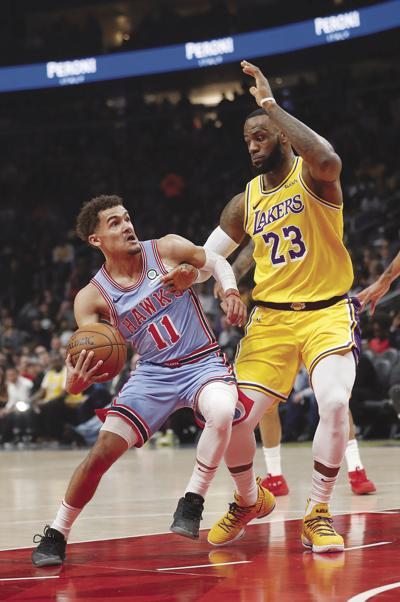 Lakers Hawks Basketball
