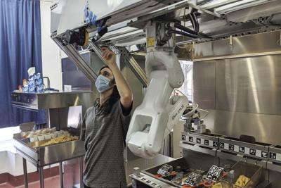 Virus Outbreak-Robot Cooks
