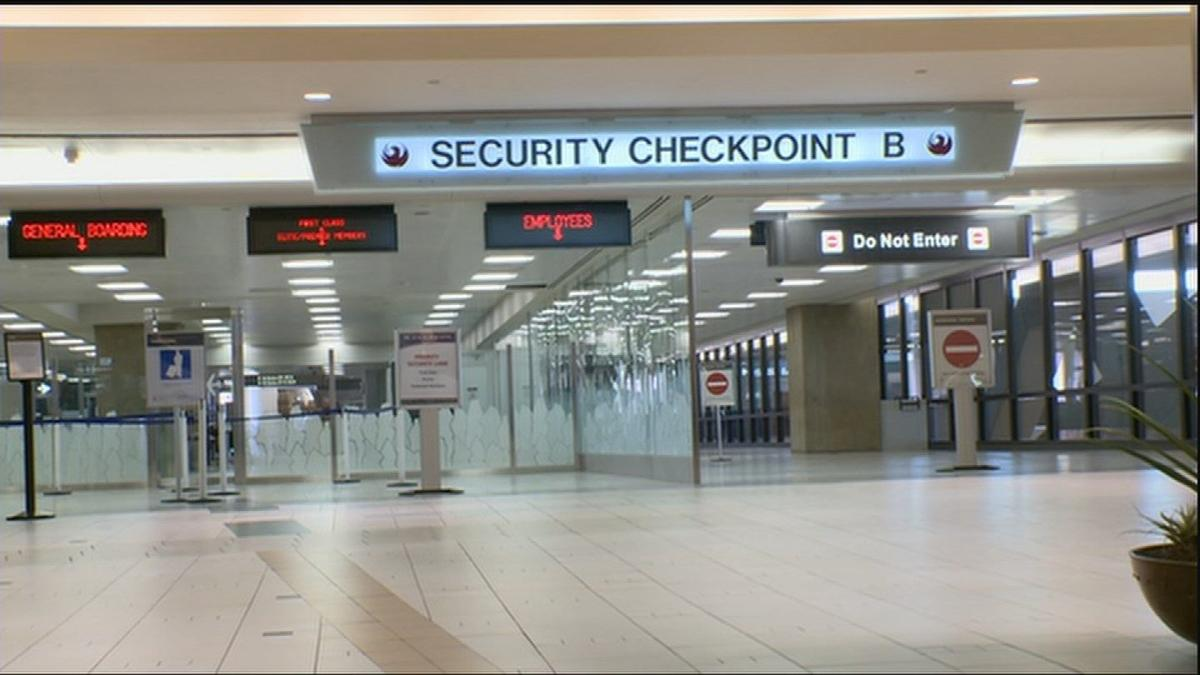TSA defends agent after mom appalled at alleged treatment of breast milk at Sky Harbor