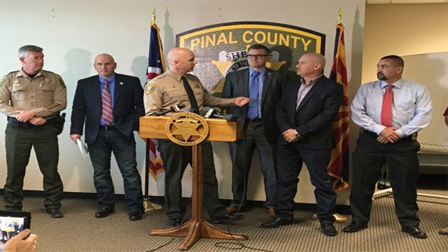 Sheriff Babeu: Obama has 'handcuffed' Border Patrol