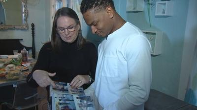 Strangers connected by text mishap continue Thanksgiving tradition in Mesa
