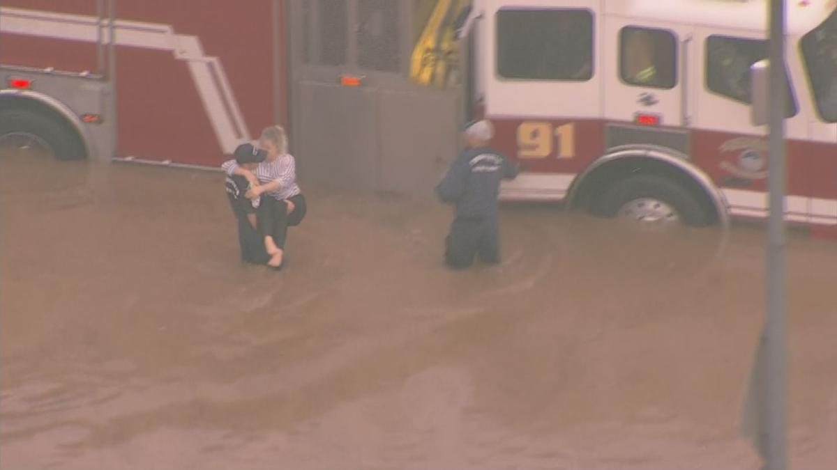 Phoenix firefighters rescue stranded drivers