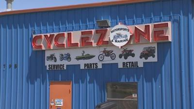 Small family business says it's intimidated by AutoZone