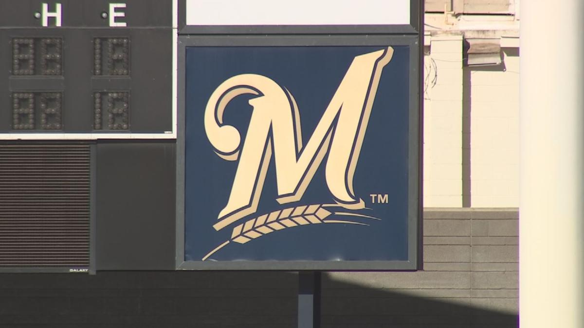 Brewers reach deal with City of Phoenix to keep spring training home in Maryvale