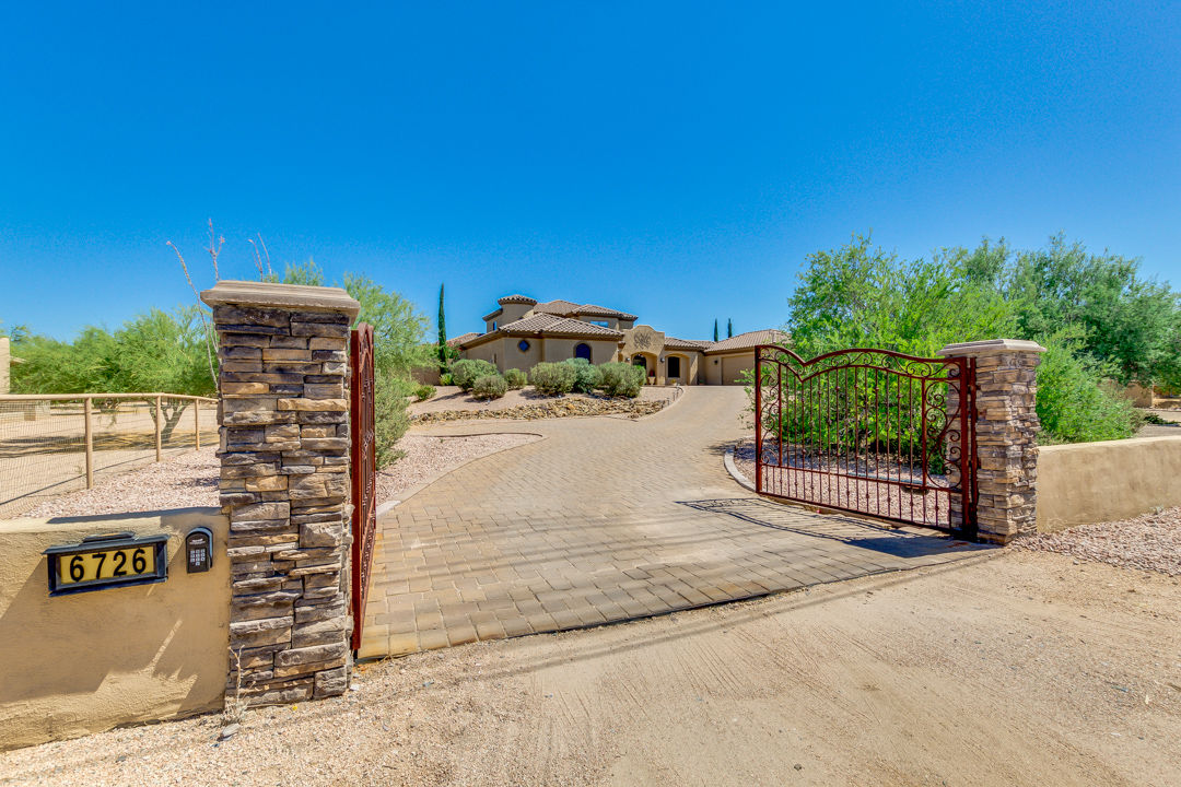$1.04 million home in Cave Creek for sale