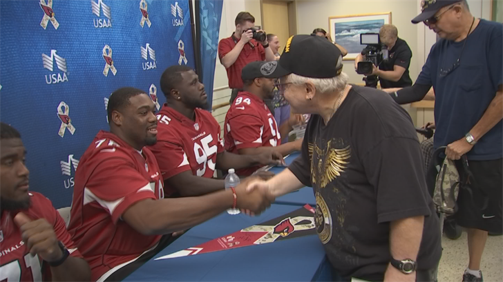 Arizona Cardinals join USAA for special 'Salute to Service' visit to VA hospital