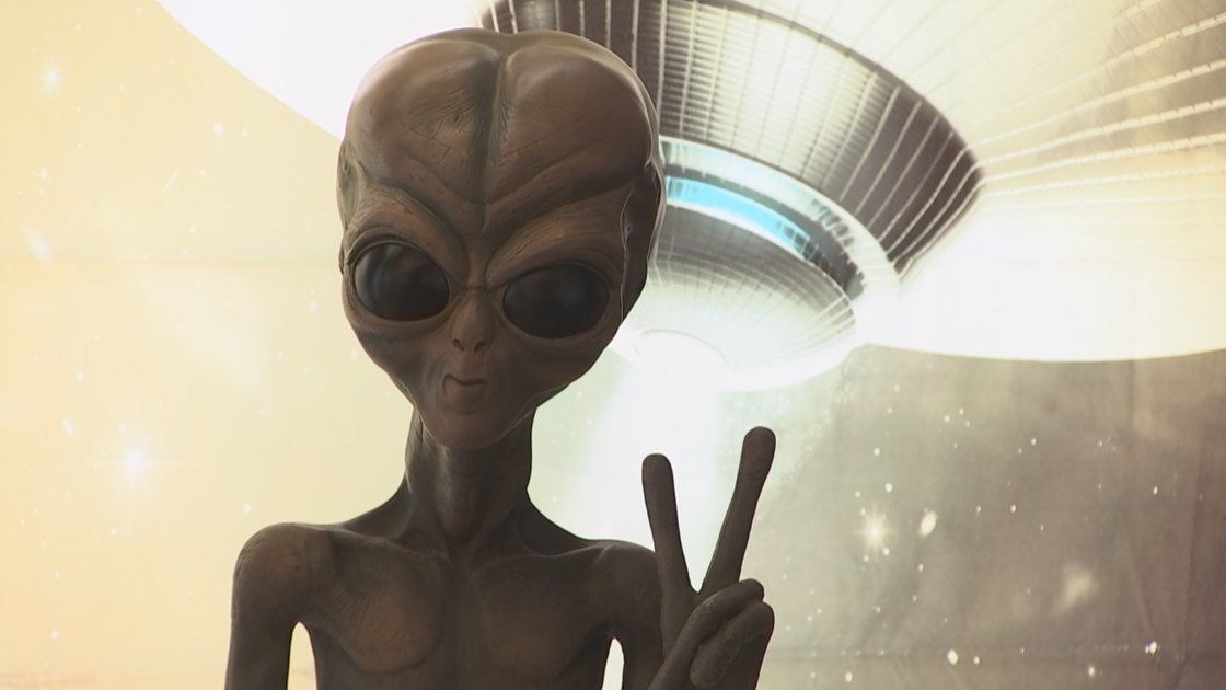 Hundreds of people in Phoenix for UFO conference
