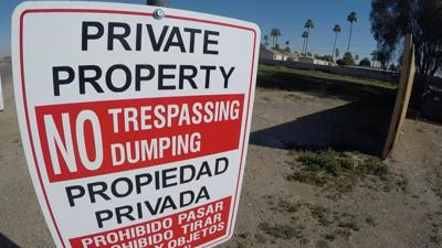 No dumping sign in Glendale