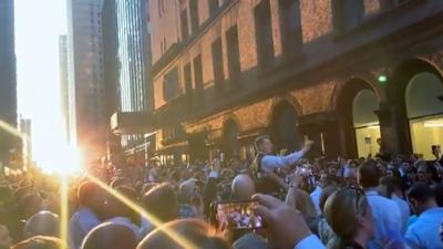 AZ musicians also improvise, perform for thousands outside in NYC power outage