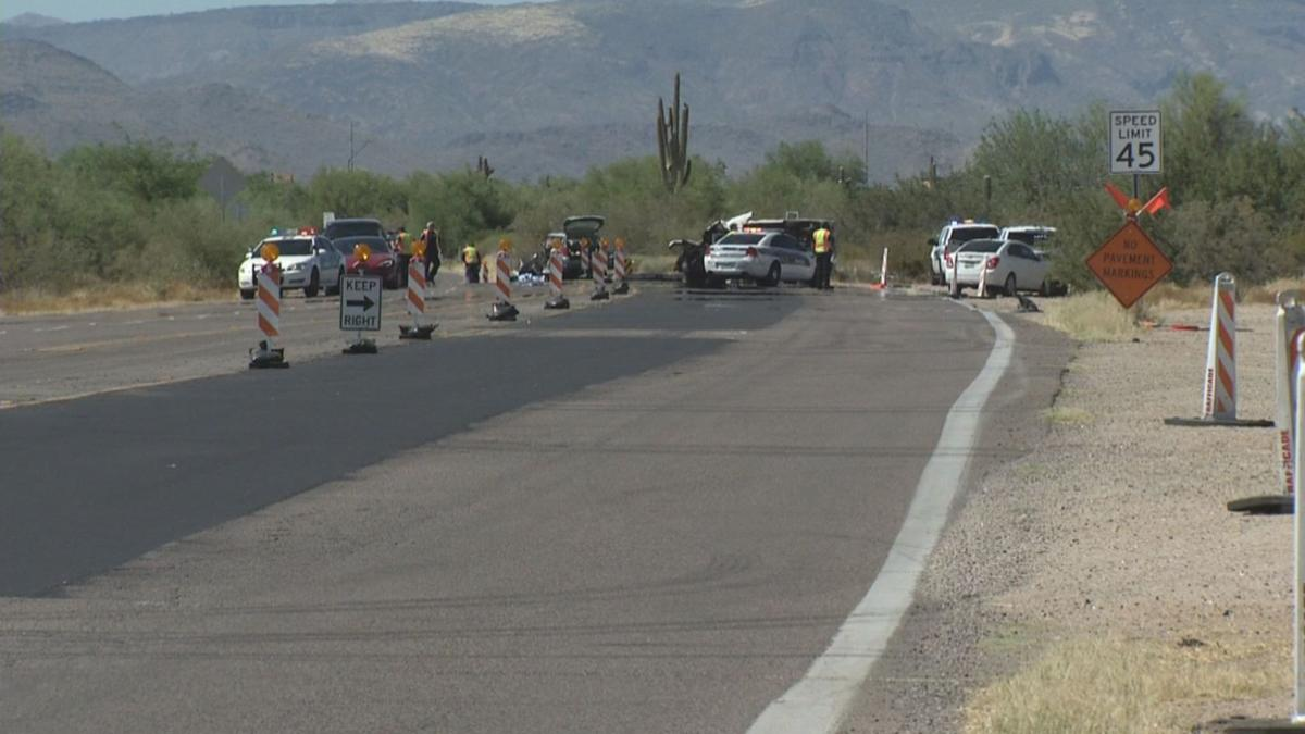 Two people in critical condition after crash in north Phoenix
