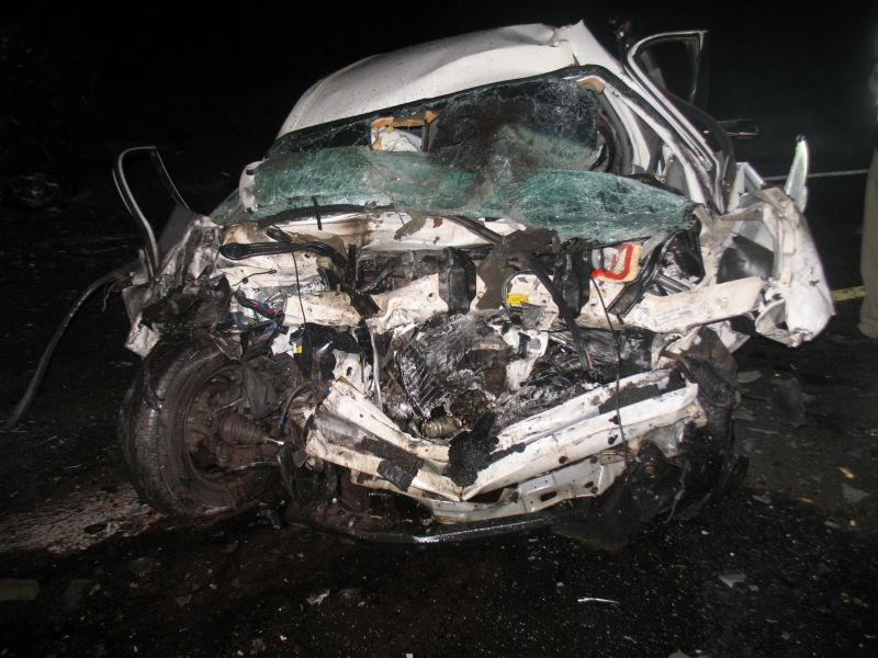 Eight people killed in head-on crash near Florence