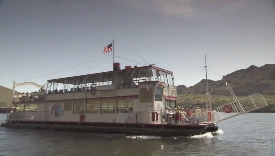Canyon Lake Dolly Steamboat