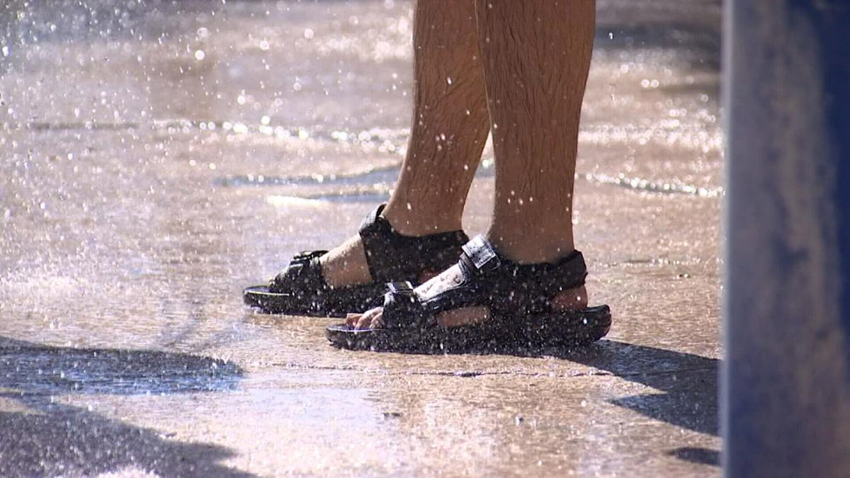 Doctors warn of pavement burns as record heat wave scorches several states