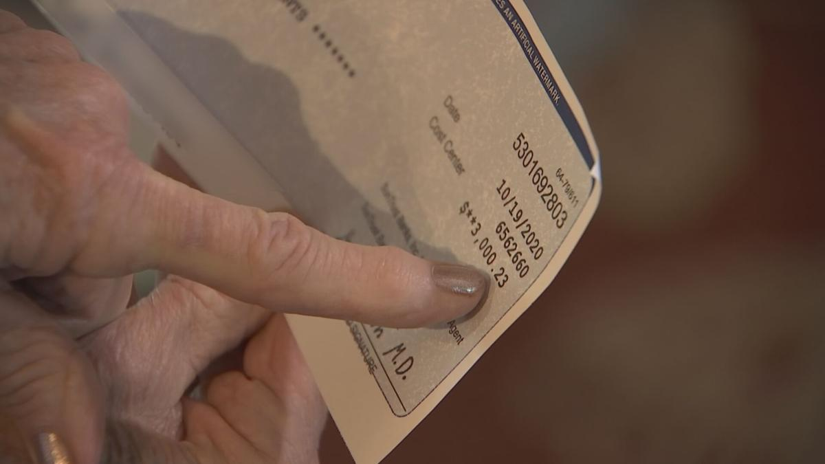 Scammer targets Sun City woman