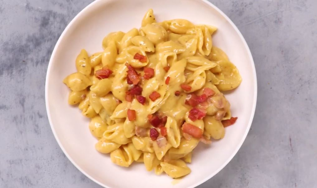 Instant Pot Mac and Cheese with Bacon