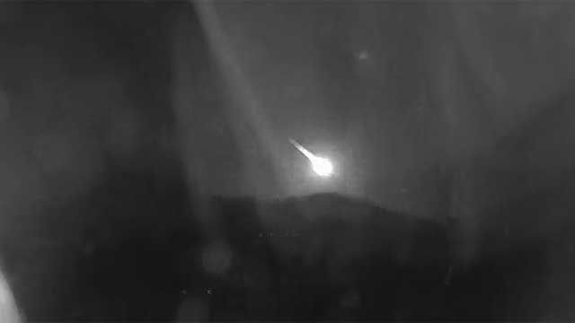 NASA: Flash of light over Arizona sky was likely an asteroid; meteorites landed in southern AZ