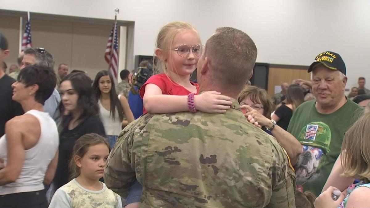 Family of Arizona National Guardsmen greeted the returning troops