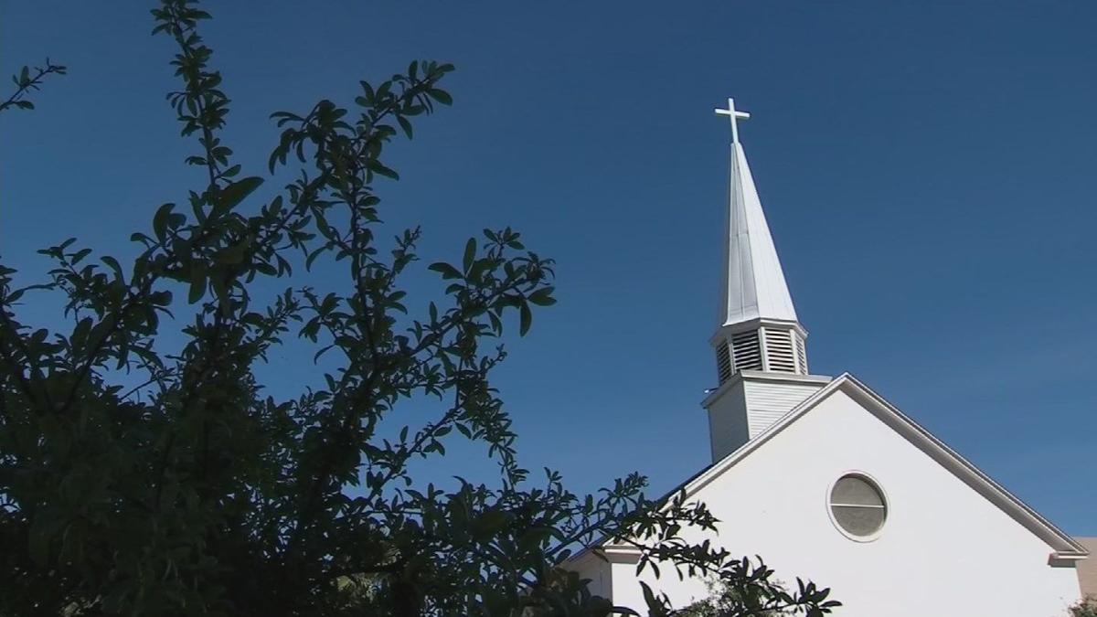 More churches are going high-tech to connect with 'Smartphone Generation'