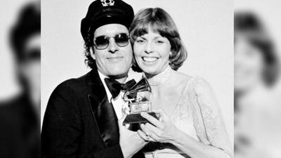 Daryl Dragon, of 'The Captain and Tennille,' dies at hospice in Prescott