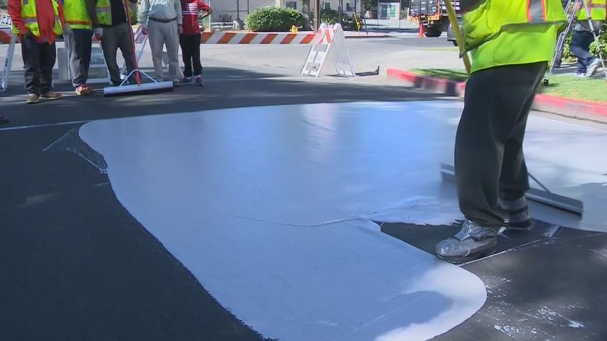 Phoenix looking into painting streets off-white to help with heat
