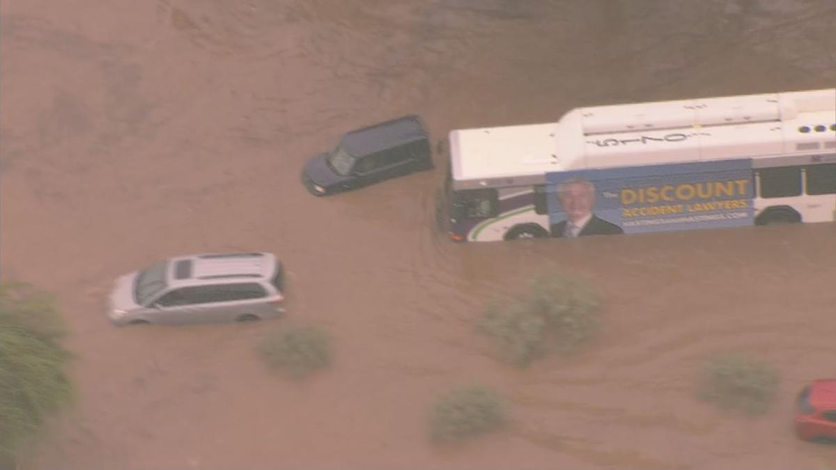 Phoenix fire crews help stranded drivers in flooded wash