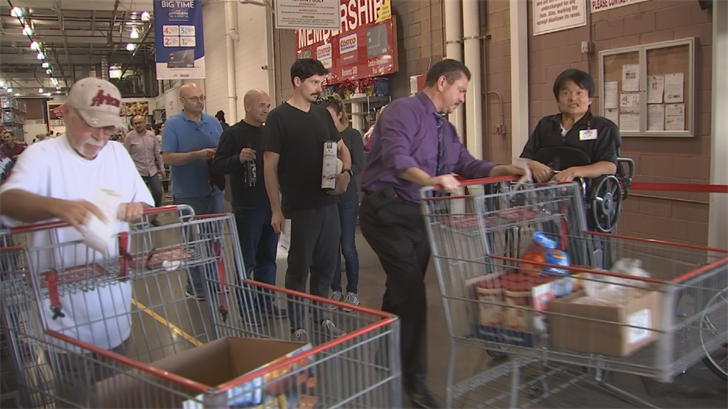 Glendale Costco worker surprises shoppers