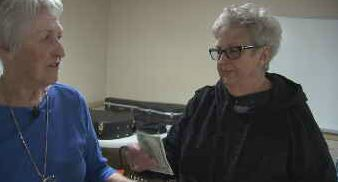 Sun City band leader surprised by cash gift