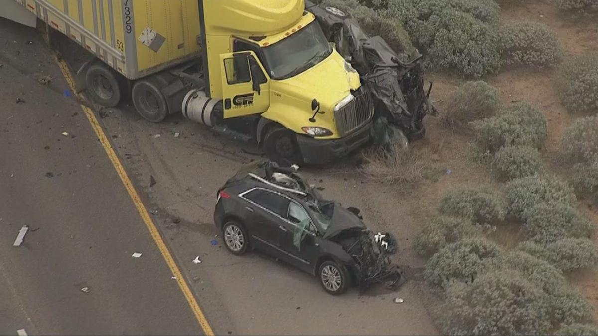 RAW VIDEO: 4 dead following multiple-vehicle crash on I-10 near Tucson