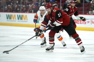 Arizona Coyotes center Derek Stepan