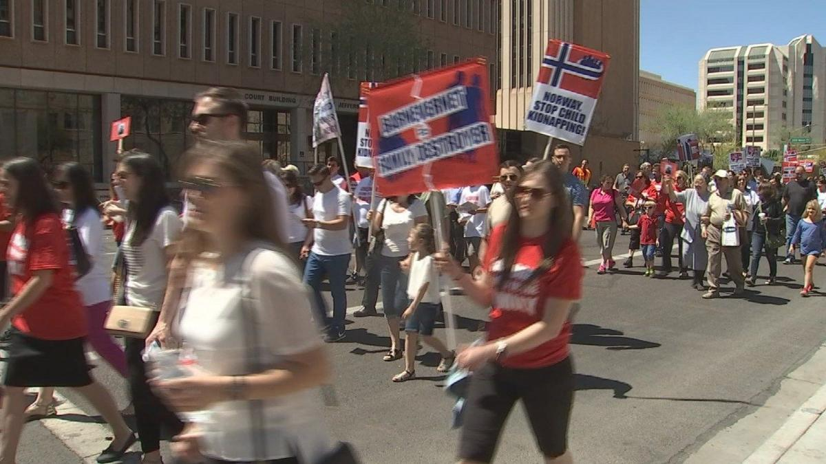 Marchers hold rally in downtown Phoenix in support of Romanian family | |  azfamily.com