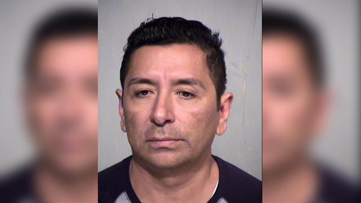 PD: Man masturbates in front of 14-year-old in Phoenix fitness center gym