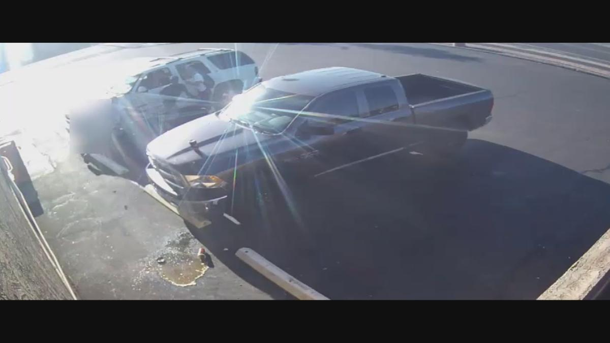 19TH AVE SHOTS FIRED ROBBERY VIDEO.mxf_frame_789.png